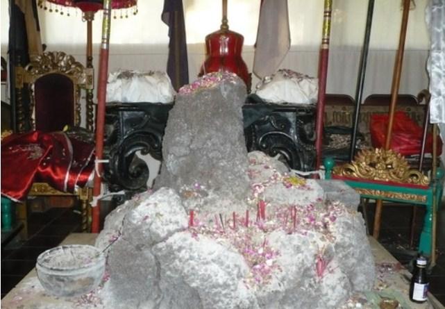 Obyek Wisata Pesanggrahan Srigati Tak Angker Zona Informasi Spiritual Menurut