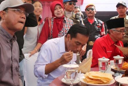Mampir Ngawi Jokowi Sarapan Nasi Pecel Portal Berita Rumah Dr