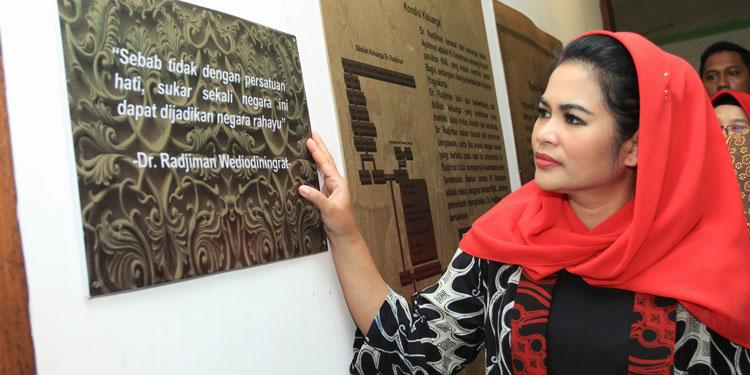Mbak Puti Serap Aura Rumah Pahlawan Nasional Dr Radjiman Pdi