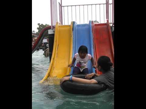 Berenang Bersama Aura Water Boom Tirtonirmolo Tempuran Ngawi Taman Air