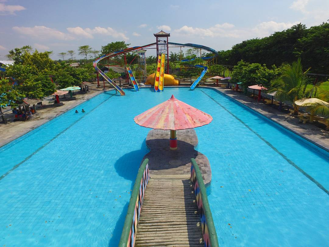 Obyek Wisata Tirtonirmolo Waterpark Ngawi Tidak Tawarkan Sebagian Wahana Air