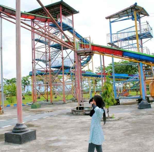 Tempat Wisata Ngawi Terbaru 2018 Indah Menarik Taman Air Tirtonirmolo
