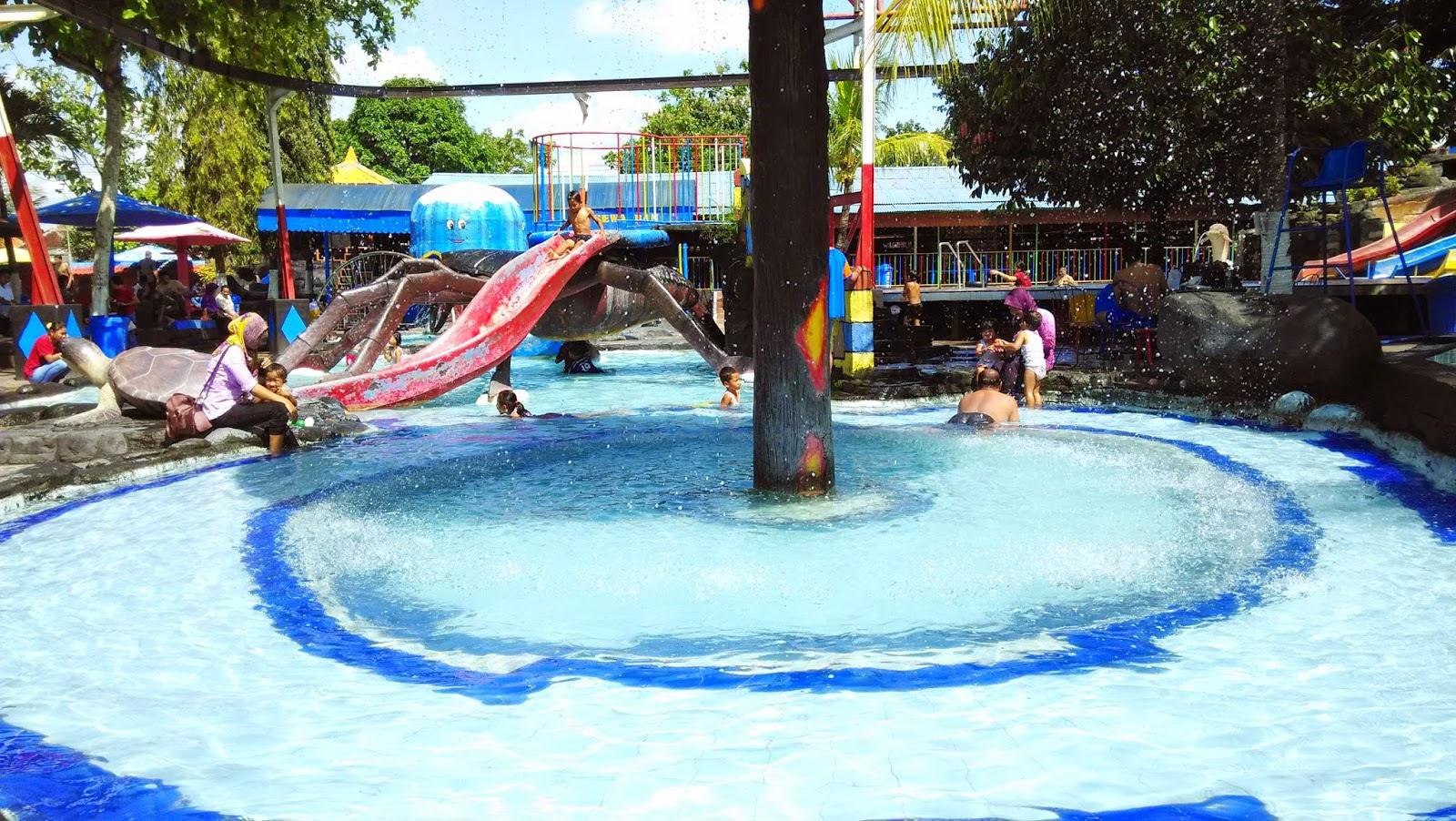 Waterpark Galuh Tirtonirmolo Air Mancur Taman Kab Ngawi