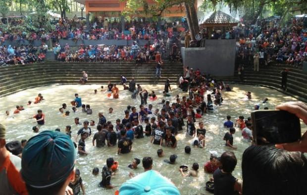 Tahunan Keduk Beji Icon Budaya Ngawi Ritual Taman Wisata Tawun