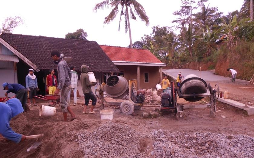 Ds Pandansari Kec Sine Manfaatkan Dd Perlebar Jalan Desa Obyek