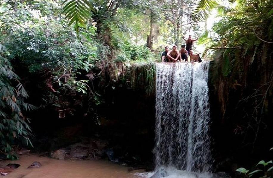 107 Tempat Wisata Kalimantan Utara Menarik Wajib Air Terjun Telaga