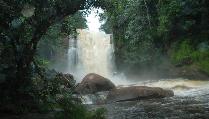 15 Tempat Wisata Populer Tanjung Selor Air Terjun Laas Binusan