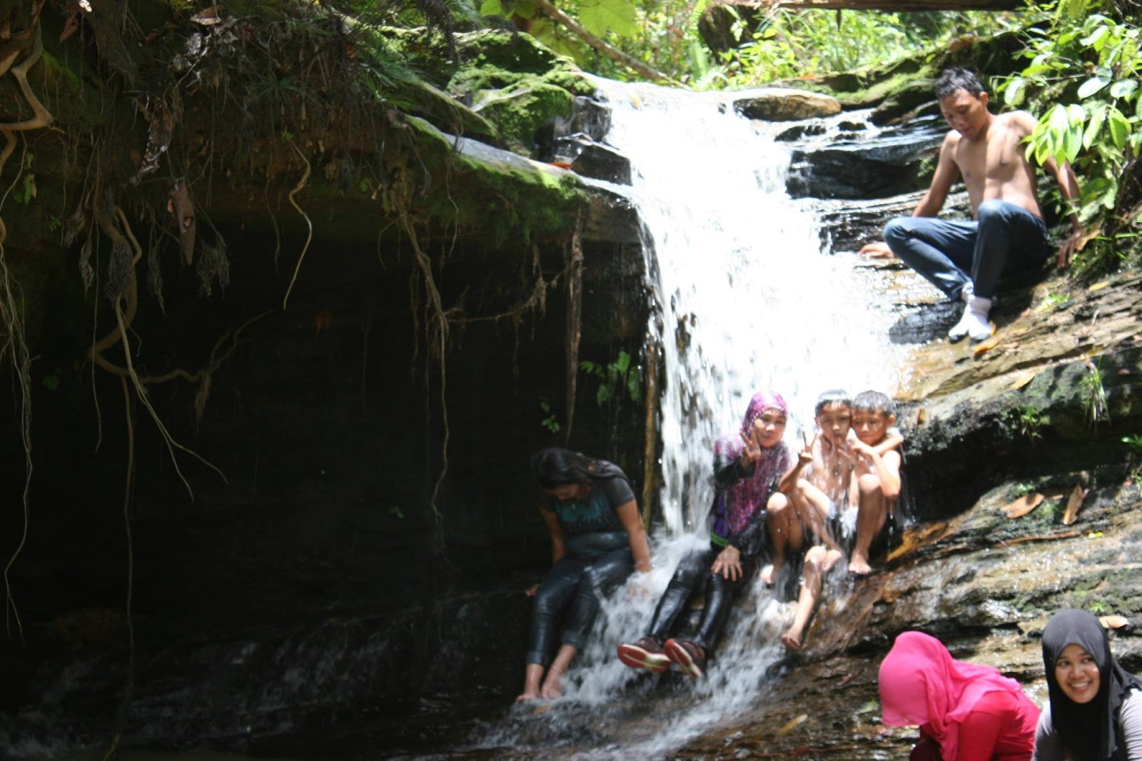 North Borneo Adventure Air Terjun Binusan Kilometer Dua Kab Nunukan