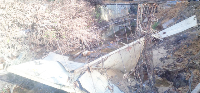 Waduh Pekerja Proyek Dibayar Siring Kolam Selesai Bangunan Rusak Kondisi