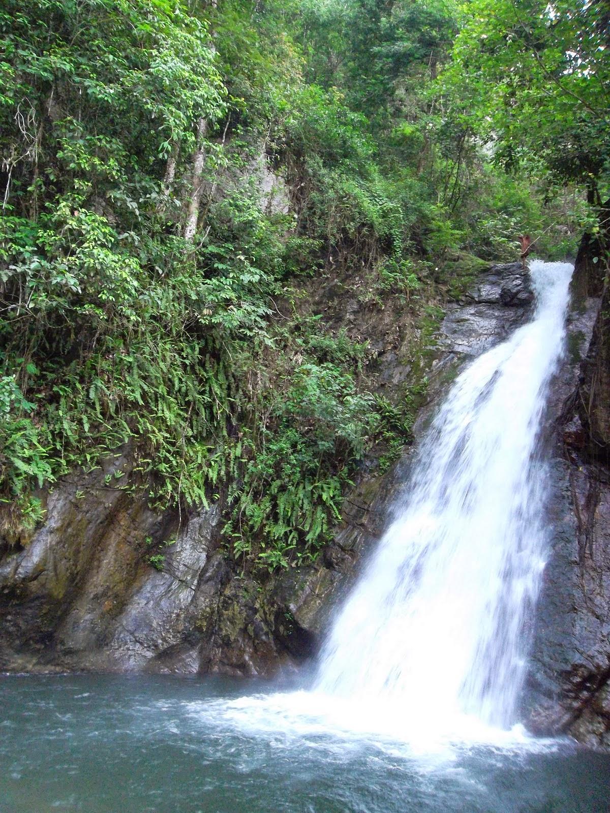 Ayo Jelajahi Negeri Indah Dtw Kalimantan Air Terjun Haratai Krayan