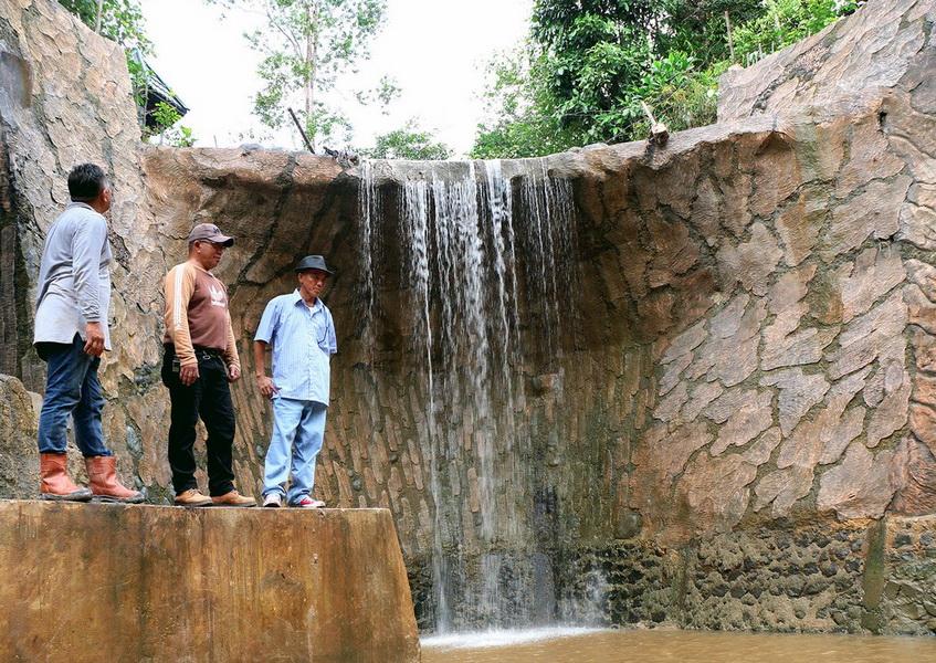 107 Tempat Wisata Kalimantan Utara Menarik Wajib Air Terjun Karungan
