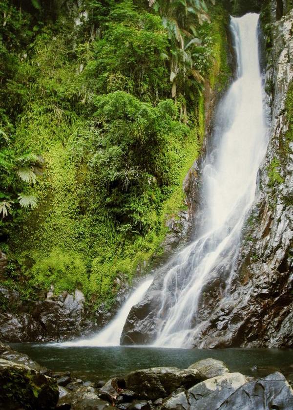 17 Tempat Wisata Kalimantan Utara Indonesia Air Terjun Marthin Billa