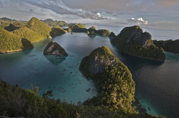 Keunikan Keindahan Kepulauan Raja Ampat Papua Info Tiket Air Terjun