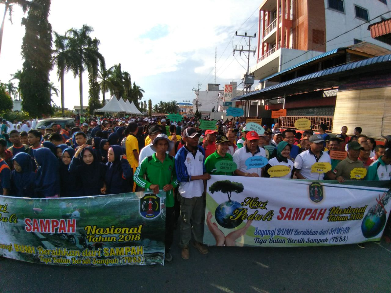 Pusat Pengendalian Pembangunan Ekoregion Kalimantan Peringatan Car Peserta Free Day