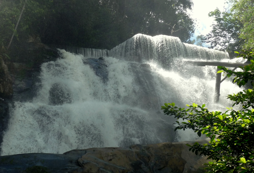 107 Tempat Wisata Kalimantan Utara Menarik Wajib Air Terjun Krayan