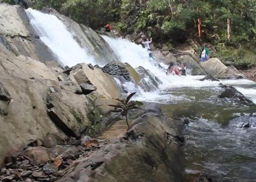 107 Tempat Wisata Kalimantan Utara Menarik Wajib Air Terjun La
