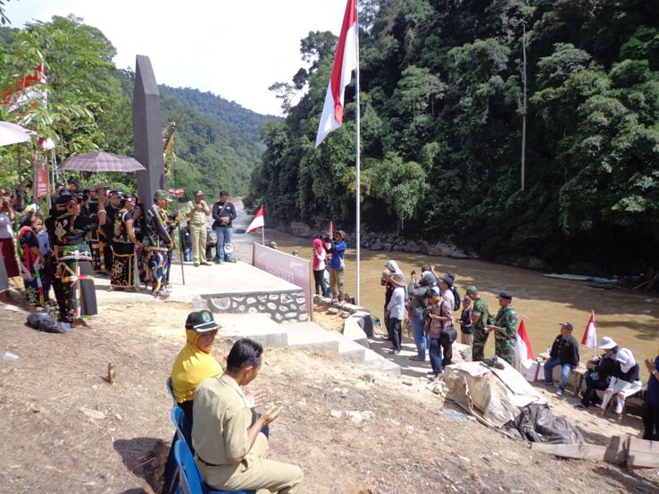 Mppi Bangun Tugu Garuda Pancasila Perbatasan Ri Malaysia Sungai Giram