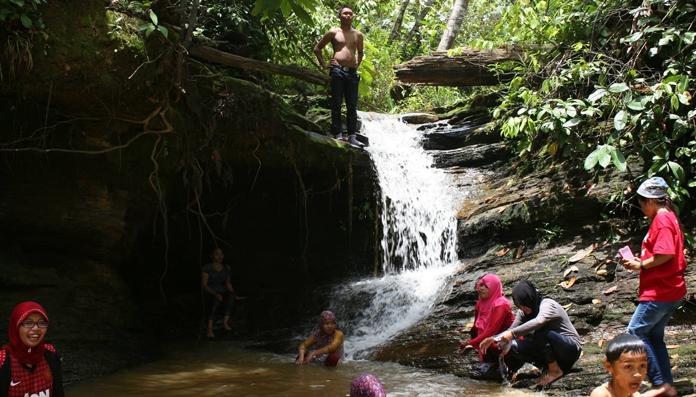 15 Tempat Wisata Populer Tanjung Selor Air Terjun Binusan Kebun