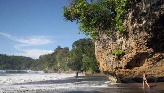 15 Tempat Wisata Populer Tanjung Selor Pantai Batu Lamampu Kebun