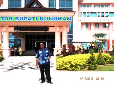 Bintang Mind Berada Depan Kantor Bupati Nunukan Propinsi Kalimantan Utara