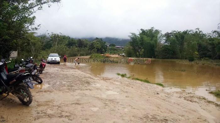 Desak Tuntaskan Jalan Perbatasan Pusat Target Rampung 2019 Provinsi Kalimantan