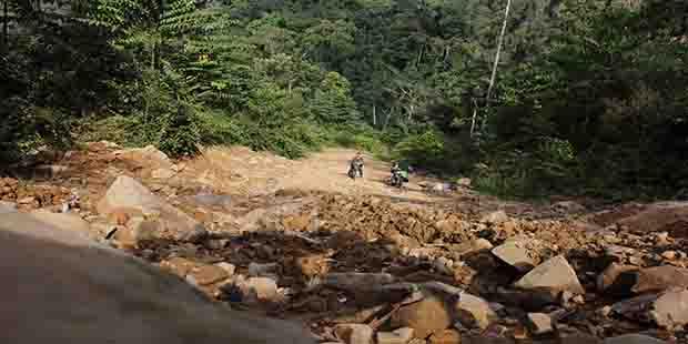 Nekat 2 Pemuda Nunukan Tembus Krayan Darat Korankaltara Long Bawan