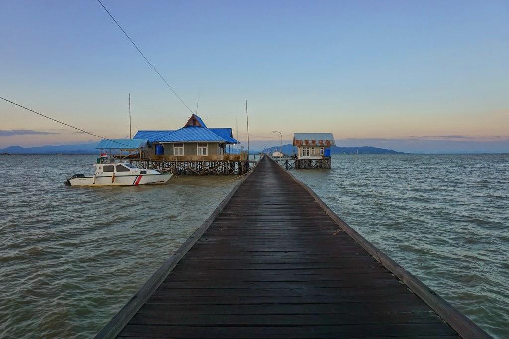Absurd Journey Mengintip Perbatasan Negeri Pulau Sebatik Menunggu Senja Pelabuhan