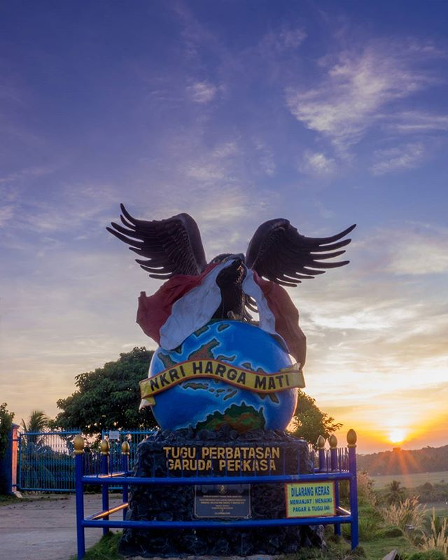 Instanunukan Photos Videos Imgrud Tugu Perbatasan Garuda Perkasa Bisa Baca