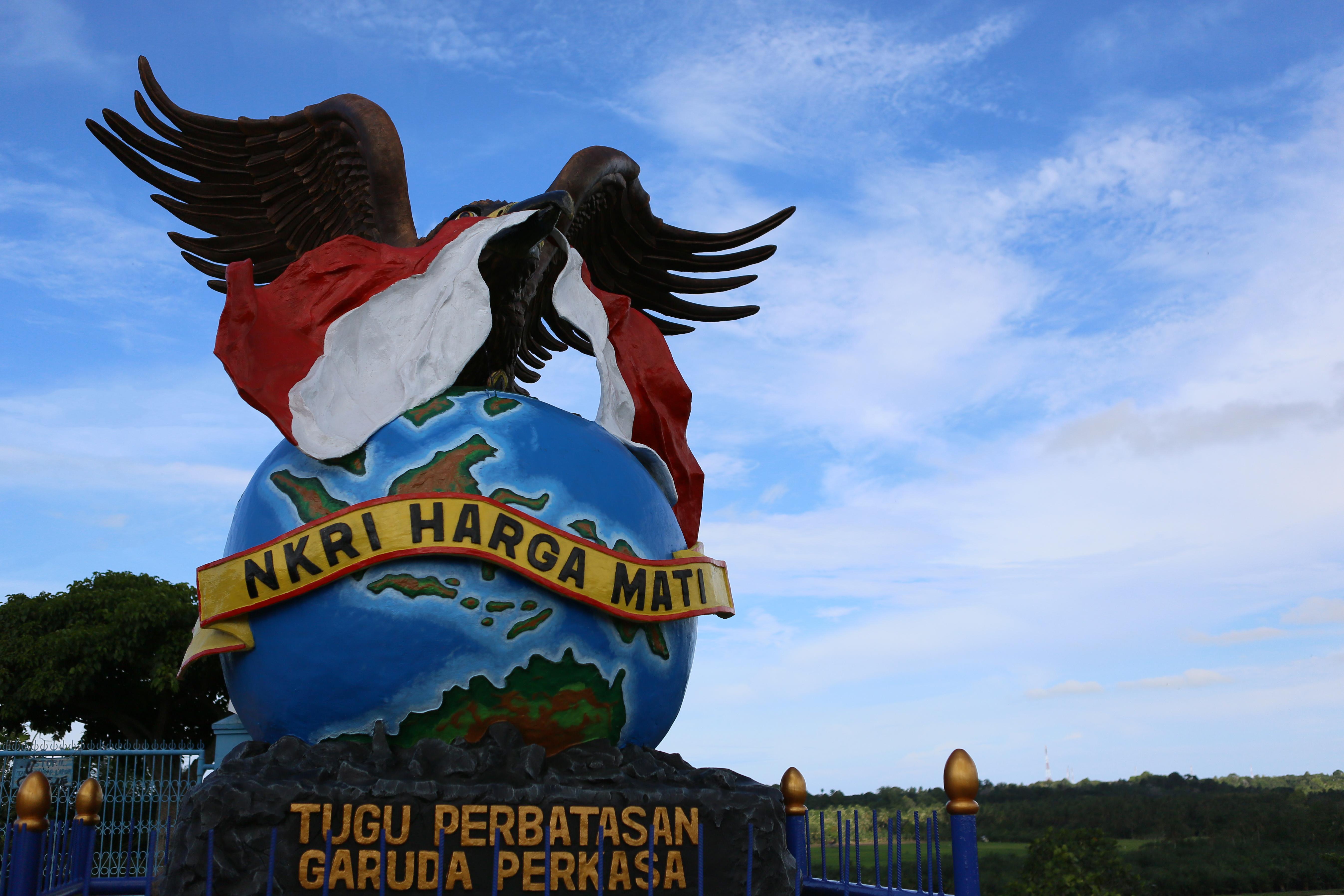 Lost Sea Archives Fromgetlost Tugu Garuda Perkasa Lokasi Aji Kuning