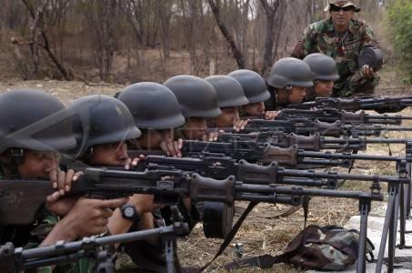 Militer Indonesia Tni Bangun Tugu Perbatasan Kabupaten Nunukan Kalimantan Timur