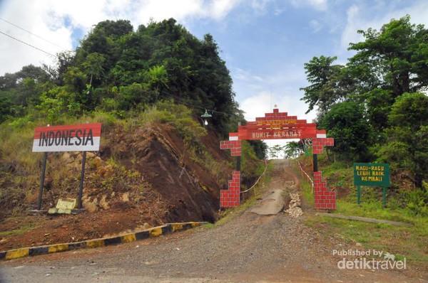 Pupuk Nasionalisme Garda Terdepan Perbatasan Indonesia Pos Bukit Keramat Tugu