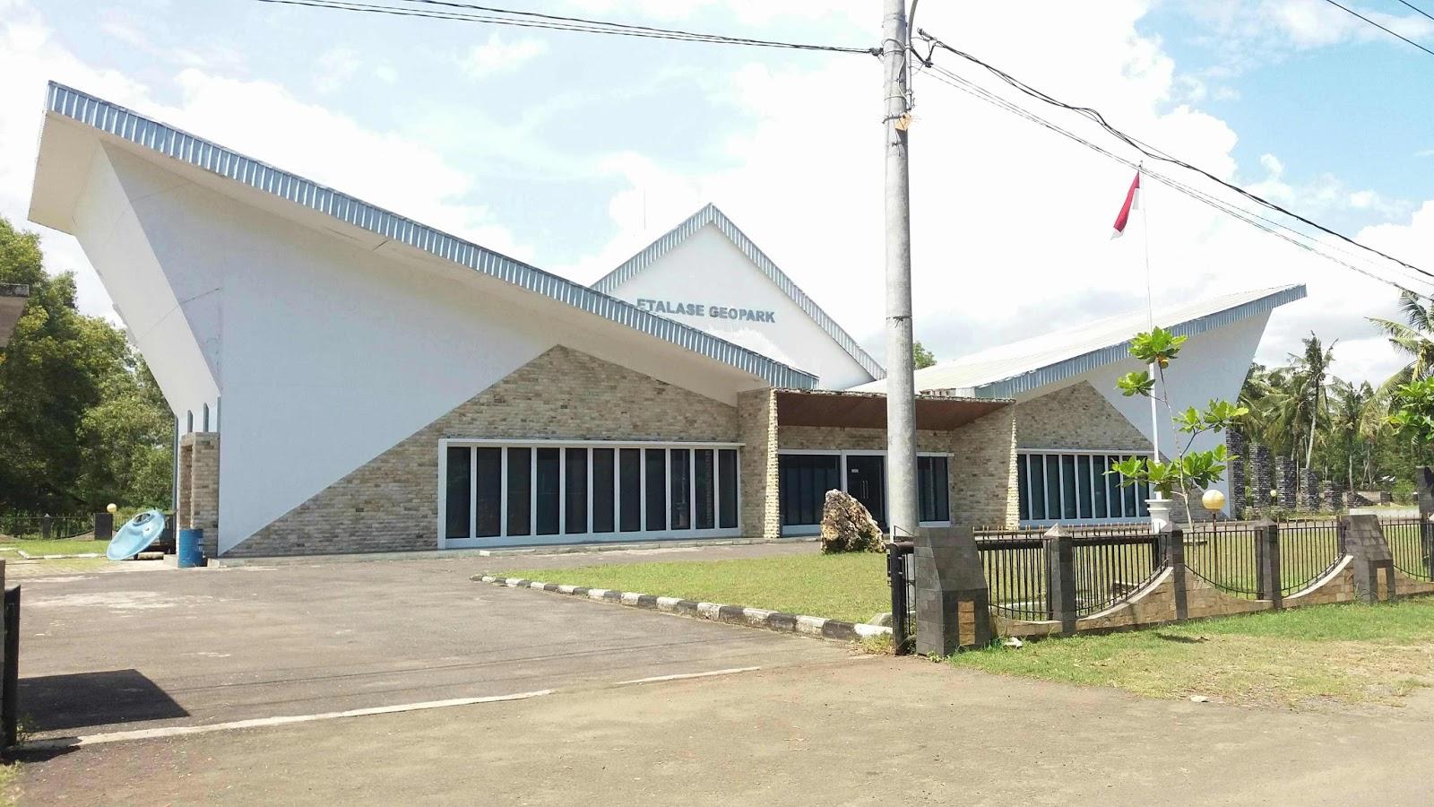 Etalase Geopark Gunung Sewu Geo Area Pacitan Kab