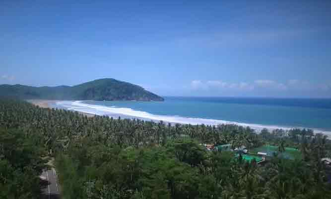 Pantai Taman Destinasi Wisata Bagi Pecinta Petualangan Pojok Pitu Flying