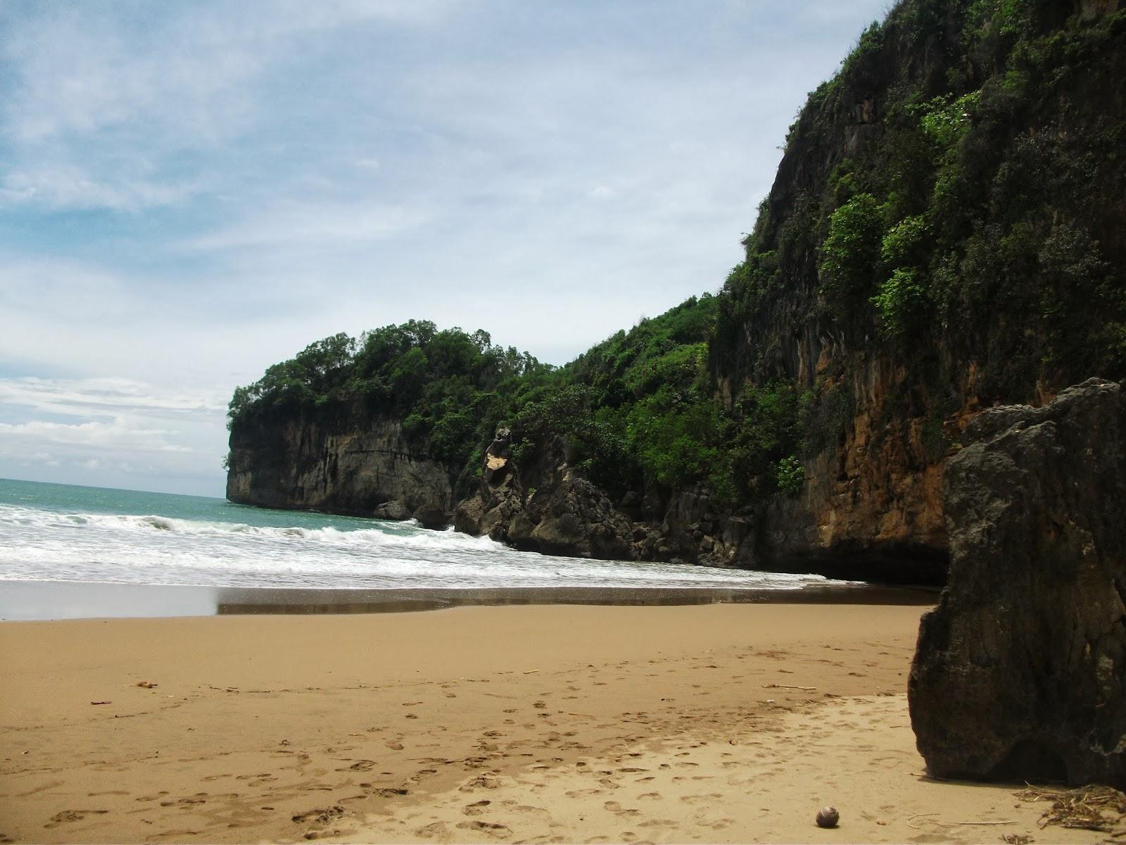 Pantai Taman Menawan Pacitan Jawa Timur Flying Fox Kab