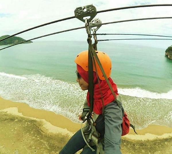 Pantai Taman Pacitanku Flying Fox Kab Pacitan