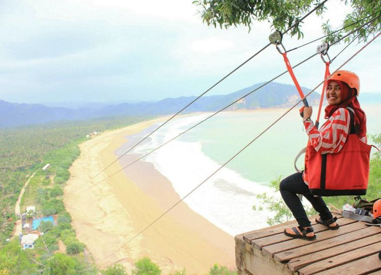 Perkenalkan Pacitan Sekeping Surga Bahari Indonesia Kamu Flying Fox Pantai