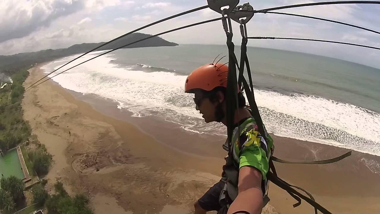 Tahukan Kamu Flying Fox Pantai Taman Pacitan Terpanjang Bawa Kamera