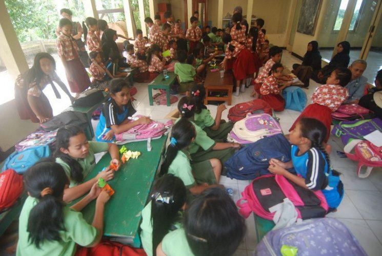 Bangunan Sekolah Rusak Ratusan Siswa Pacitan Uas Masjid Agung Kab