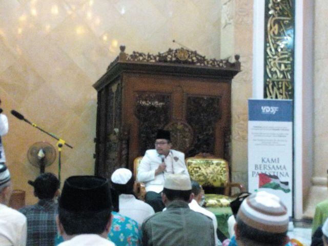 Berita Agenda Kepala Kantor Gerakan Sholat Subuh Berjamaah Masjid Agung