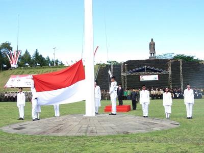 Anggota Polres Pacitan Mengikuti Upacara Hari Pahlawan Monumen Jenderal Soedirman