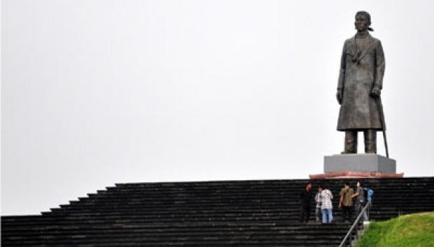 Balada Soedirman Ala Pacitan Nasional Tempo Monumen Panglima Besar Jenderal