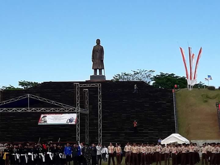Hari Pahlawan Monumen Jendral Soedirman Batas Media Jenderal Kab Pacitan