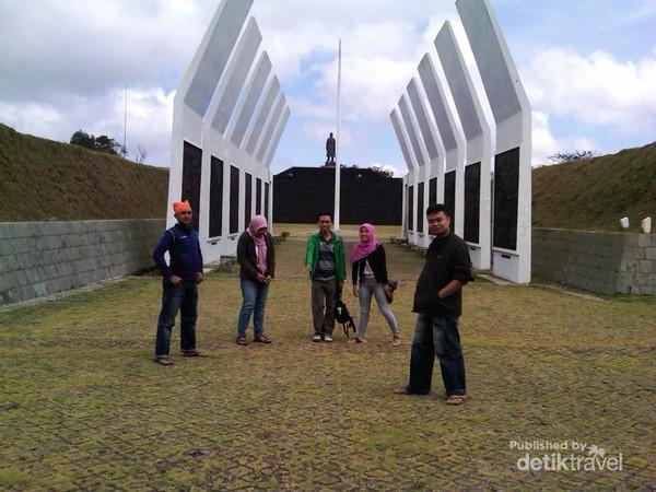 Megahnya Monumen Jenderal Sudirman Pacitan Kawasan Wisata Memiliki Arsitektur Indah