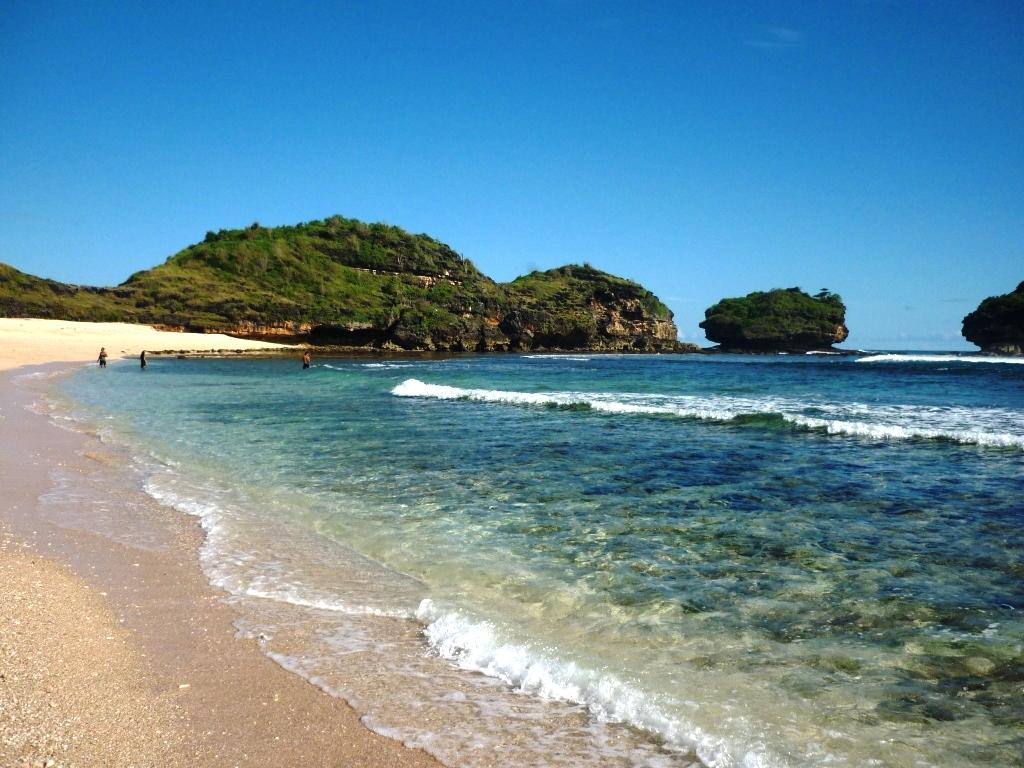 10 Gambar Pantai Watu Karung Pacitan Lokasi Beach Jawa Timur