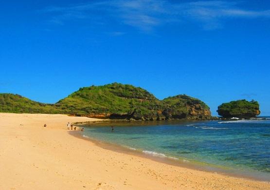 10 Pantai Terindah Pacitan Dikunjungi Wisata Watu Karung Srau Kab