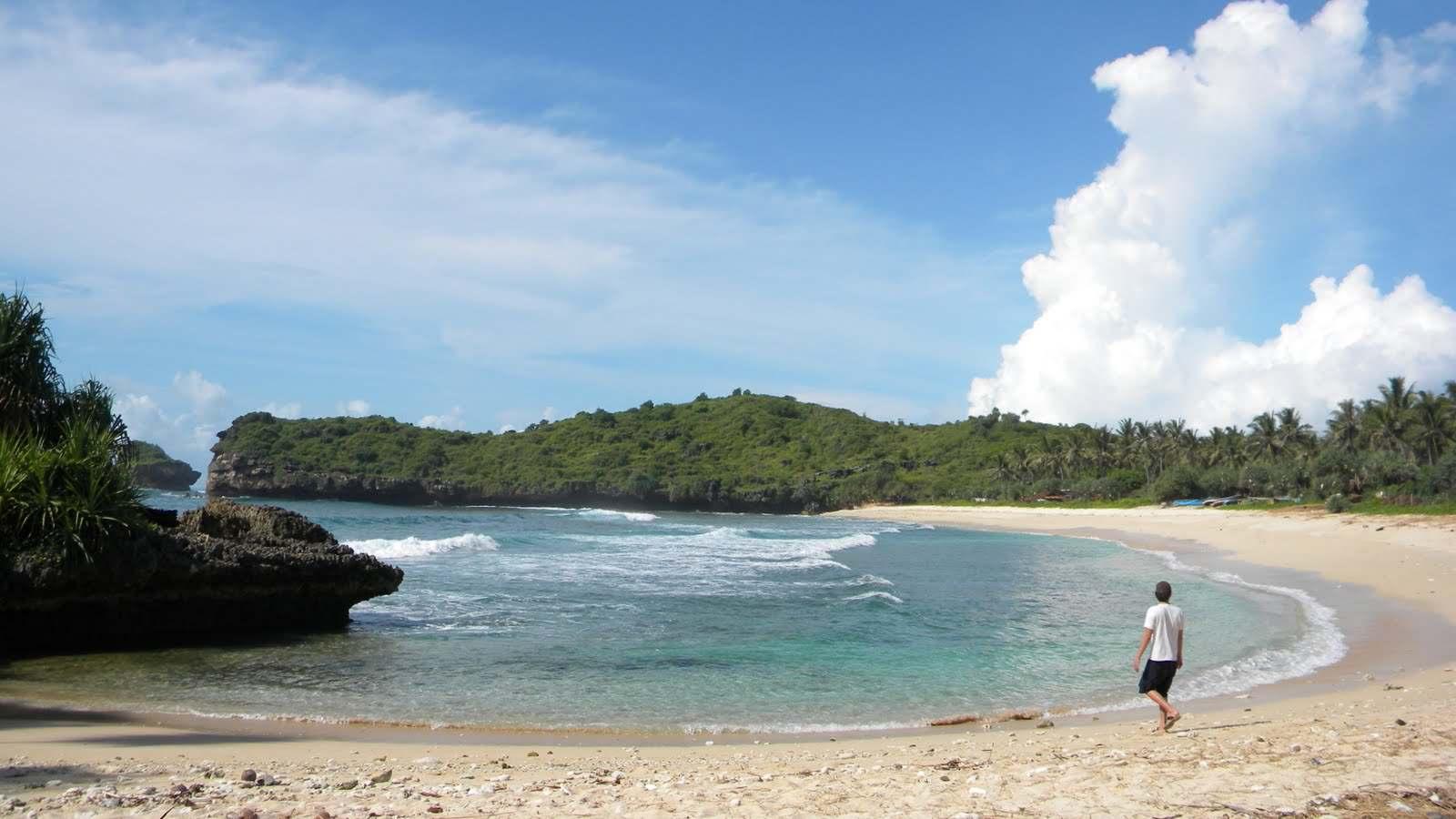Letak Geografis Tempat Wisata Kota Pacitan Indah Pantai Srau Foto
