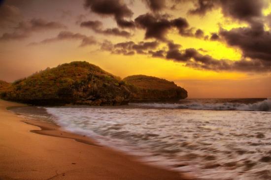 Menikmati Sunset Yg Luar Biasa Pantai Srau Picture Beach Kab