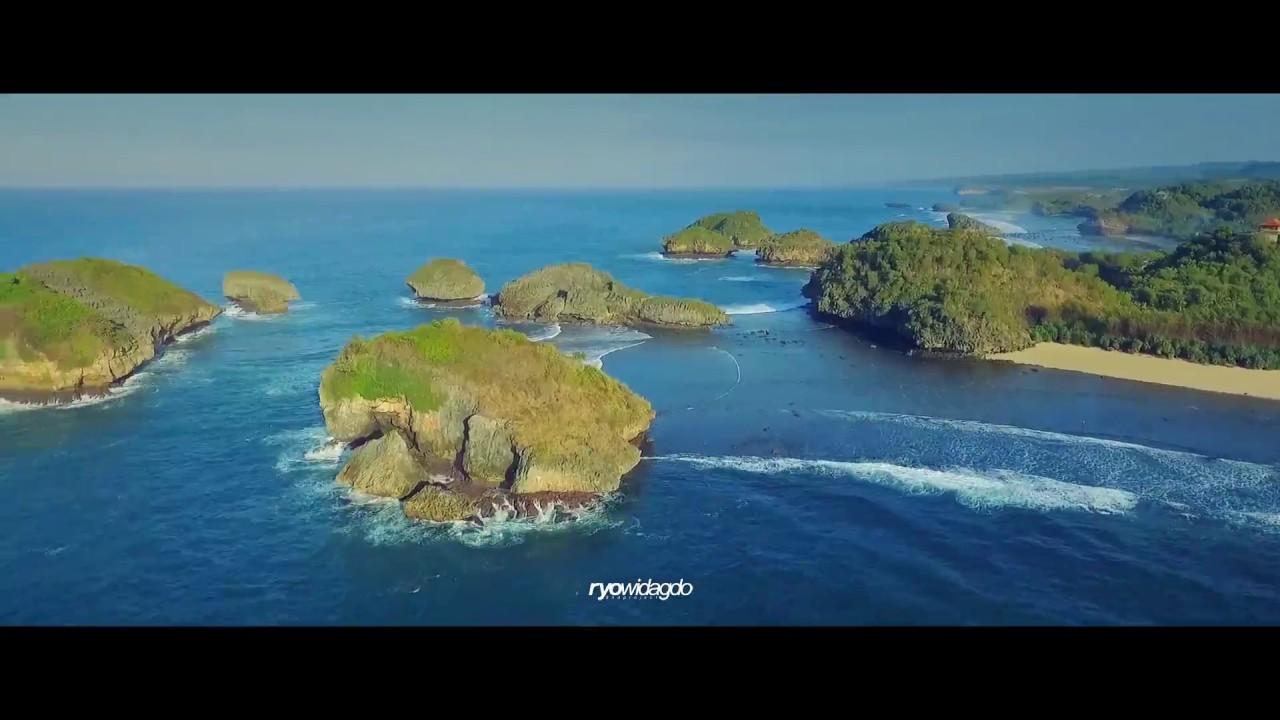 Pantai Kasap Sungai Cokel Watu Karung Kabupaten Pacitan Jawa Timur