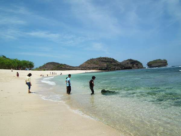 Pantai Srau Pacitan Lokasi Perairan Bertebing Alipz33 Xtgem Kab
