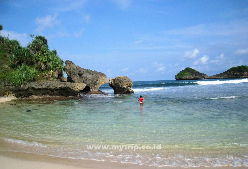 Pantai Srau Pemudamaritim Pemuda Maritim Kabupaten Pacitan Tempat Kelahiran Mantan